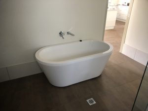 replace Bath as well as vanity, toilets, sinks, cook tops, taps downpipes Plumbink Local Plumber on the Sunshine Coast All Drainage, plumbing Gas Fitting, bathroom renovations, leaking taps, replace toilets and sinks, new hot water systems, all plumbing work, Kitchen Plumbing, Cook Top,s Laundry plumbing, Drainage, Gas Fitting