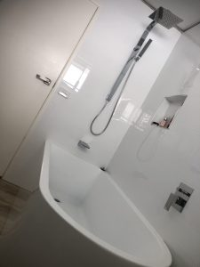 Moololaba Buderim, Palmwoods Elimbah, Glass House Mountains, Beerburrum Plumbink Sunshine Coast, plumbing, Drainage, plumber Gas Fitter Beautiful Bath Installation on the Sunshine Coast,. Shower over Bath with Mixer taps